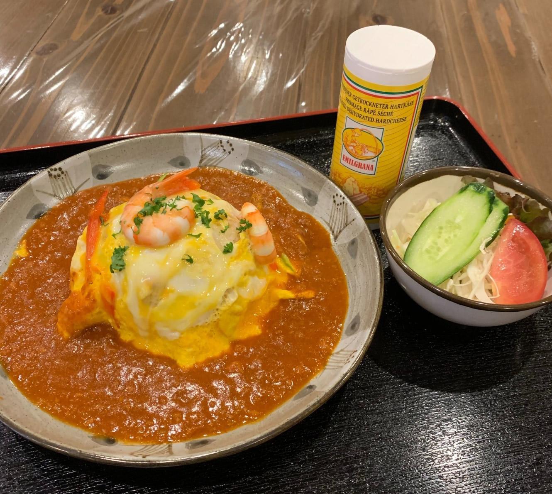 ジャーマンオムライス(サラダ付) 800円