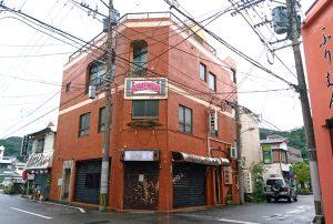 奄美大島の奄美市の屋仁川にある島料理店かめの店舗予定地